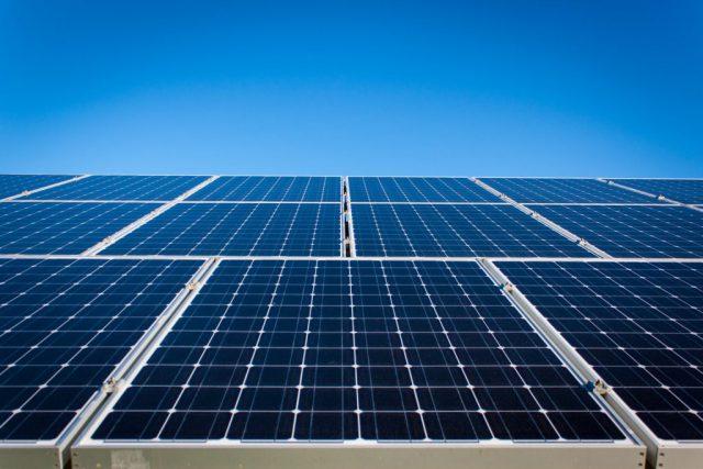 Farba fotowoltaiczna – darmowa energia słoneczna