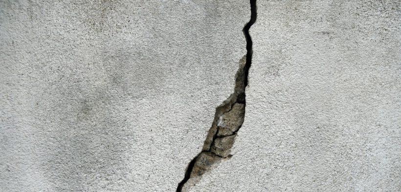 beton ekologiczny na ścianie