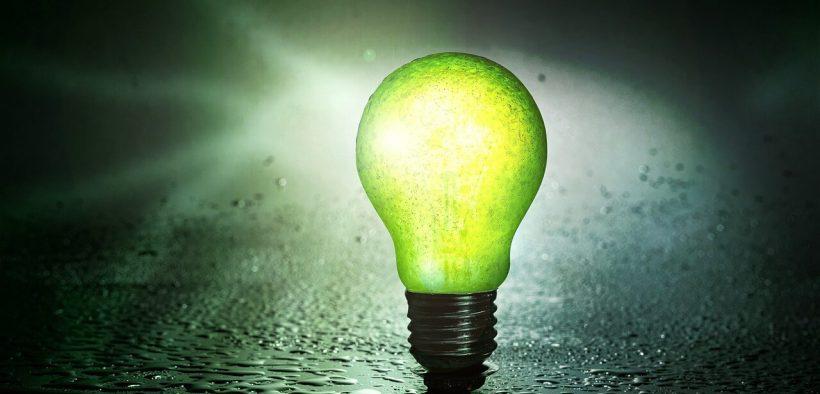 jak zaoszczędzić na prądzie - żarówka LED