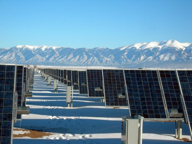 trackery solarne na Alasce