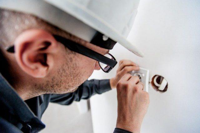 Wymiana instalacji elektrycznej – o czym warto pamiętać?
