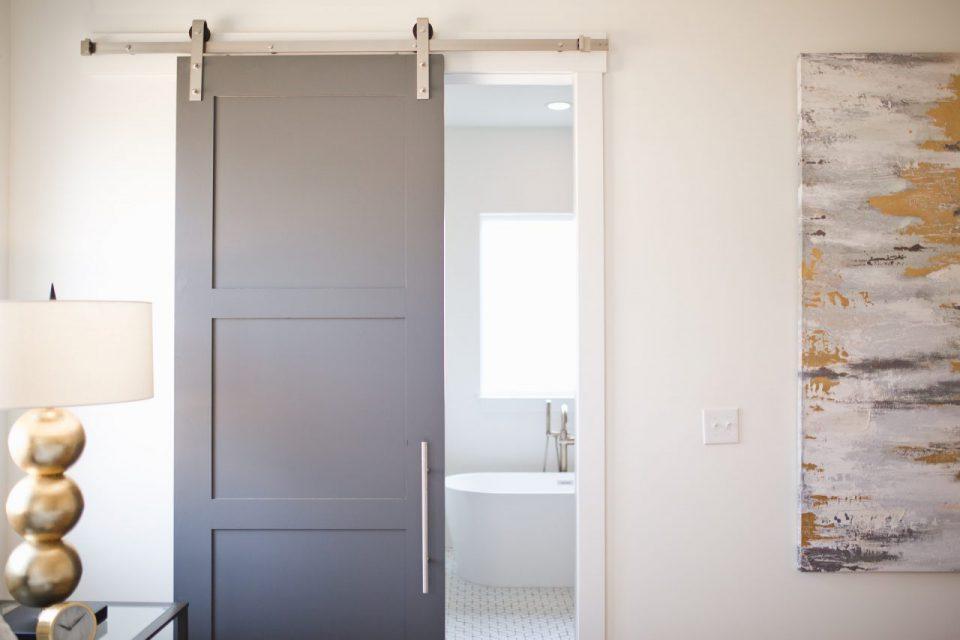 Drzwi przesuwne – podstawowe informacje