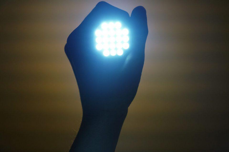 Oświetlenie LED – jakie niesie zalety oraz jaką barwę wybrać?